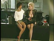 Lady Shows All 91