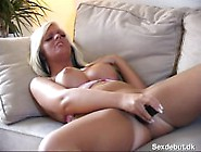 Sanne Danish 20 Yo Fingering And Dildo Play On Couch