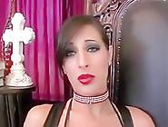 Stunning Brunette W Juicy Red Lips Sucks Big Cock