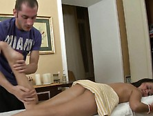 Masseur Gives Babe A Lusty Dildo Gratifying During Massage