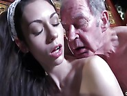 Brunette Babe Rides A Big Dick Nad Makes Her Ass Jiggle