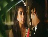 Alia Bhatt In Humpty Sharma Ki Dulhania (2014)