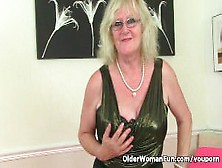 Older woman Samantha pleasures her cunt with a large sex toy  1815436