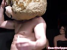 Twerking Cfnm Babes Cocksucking At Party Video