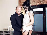 Stunning Sex Goddess Wants To Feel A Horny Hunk's Massive Boner