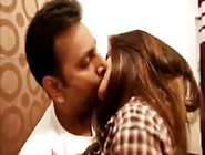 Delhi Girl Kissing