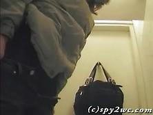 Spying On Girls Pooping