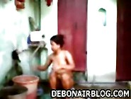 Desi Young Girl Bathing And Soaping Tits Mms