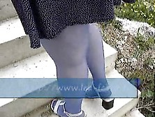 She Pees With Dildo Up Her Arse
