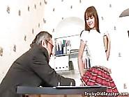 O Professor Pervertido E A Aluna Inocente