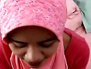 Muslim In Hijab Has Oral And Missionary Sex With Facial