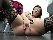 Play With My Ass And Squirt - Femme Fontaine Adore L'anal B