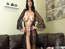 Tera Patrick Strips And Masturbates