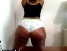 Ebony Babe Shakes Her Huge Brown Booty