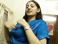Indian Girlfriend Amateur Kissing Mms Scandal