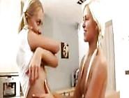 Lena Y Lola Jugando A Ser Lesbianas
