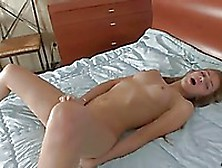 Casey Donell Opens Her Legs In The Middle Of The Bed And Vibrate