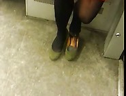Candid Subway Shoeplay Feet Legs In Nylons Tights