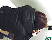 This Glorious And Nasty Japanese Girl Is Peeing In The Toilet