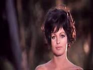 Catherine Spaak In Una Ragazza Piuttosto Complicata (1969)
