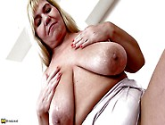 Fat Blonde Mature Woman Fingers Her Old Cunt