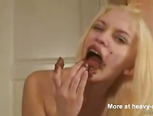 Pretty Scat Slut Plays In Shit