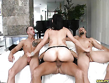 Voodoo Uses His Thick Pole To Bring Blowjob Addict Bobbi Starr W