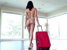 Peta Jensen Changes In Front Of Lover Even Got Bald Of Such Show