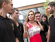 Curvy Girl With The Most Perfect Body And A Bunch Of Horny Guys