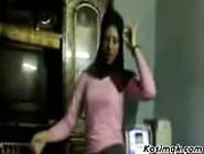 Sexy Hijab Muslim Momma Dancing