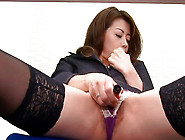 Gorgeous Office Lady Maki Hojo Is Masturbating Her Kitty