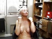 Sonja Muere,  Les Mamies Perverses S'exhibent Dans La Rue