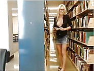 In Der Bibliothek Erwischt