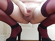 Suzee0 Masturbating In Claret Stockings And High Heels