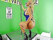Brittish Heavens,  Top Notch Chica,  Nat Foxx & 10 Big Butt Stripp