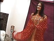Vollbusige Frau Aus Kashmir