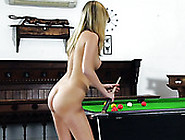 Extremely Sexy Holly Anderson Shows Her Awesome Ass
