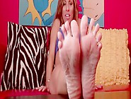 Feet Jerking And Showing Compilation Featuring A Hot Milf Nikkis