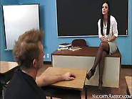 Man Fucks The Pussy Of Stockings Girl India Summer And Gets Sati