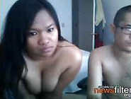 Filipino Amateur Couple In A Live Sex Chat