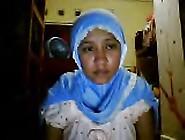 Indonesia- Jilbab Pamer Tubuh Webcam 2