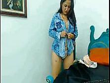 Prostituta De Barrio Poblado En Cali Muestra La Vagina A Su Hijo