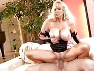 Title: Racy Tia Gunn bounces her pussy on this thick shaft