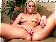 Blonde Babe Eat Pussy And Cock