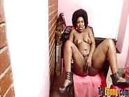 Moaning Mature Ebony With A Huge Clapping Black Booty