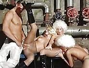 Orgie En Nylon Et Perruques