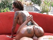 Tattooed Diva Bella Bellz Anal By The Pool
