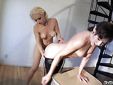 Proxy Paige Wants Sinn Sage To Lick Her Wet Spot Forever