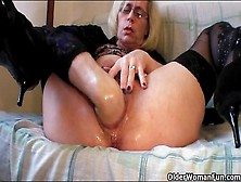 Fisting And Pissing Porn With Blonde Mature