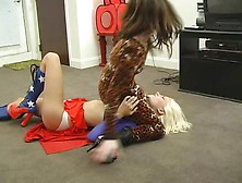 Superheroine Bitch Strangle